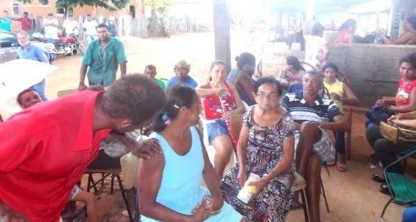 Vice-prefeito mantém a tradição de distribuição de cestas básicas na semana santa. - Imagem 6