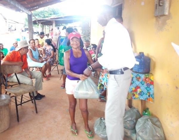 Vice-prefeito mantém a tradição de distribuição de cestas básicas na semana santa. - Imagem 5