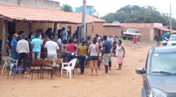 Vice-prefeito mantém a tradição de distribuição de cestas básicas na semana santa. - Imagem 2