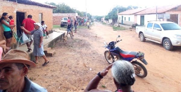 Vice-prefeito mantém a tradição de distribuição de cestas básicas na semana santa. - Imagem 4