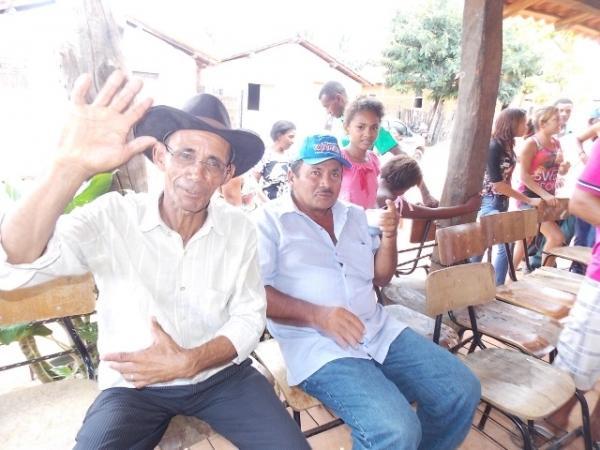Vice-prefeito mantém a tradição de distribuição de cestas básicas na semana santa. - Imagem 12