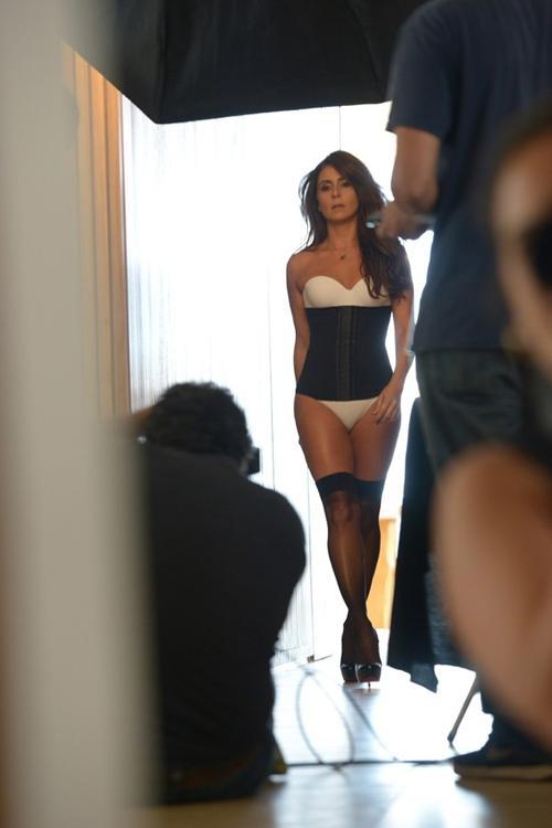 Giovanna Antonelli faz ensaio sexy de lingerie