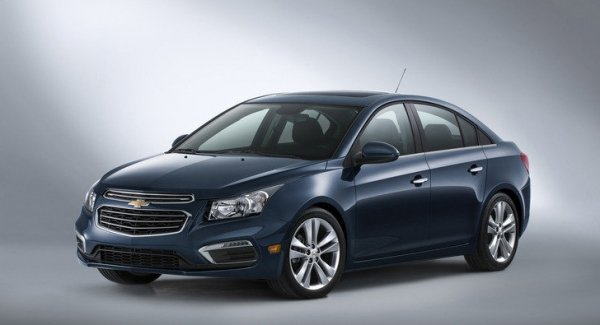 Chevrolet Cruze mostra versão americana em Nova York