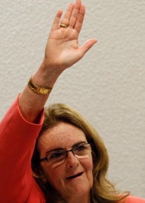 No Senado, Foster defende Dilma em compra da refinaria de Pasadena