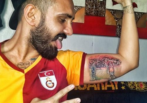 Torcedor faz tatuagem para homenagear provocação de Felipe Melo a rival