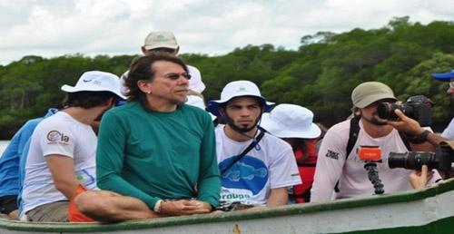 Lenine visita ações do Projeto Pesca Solidária