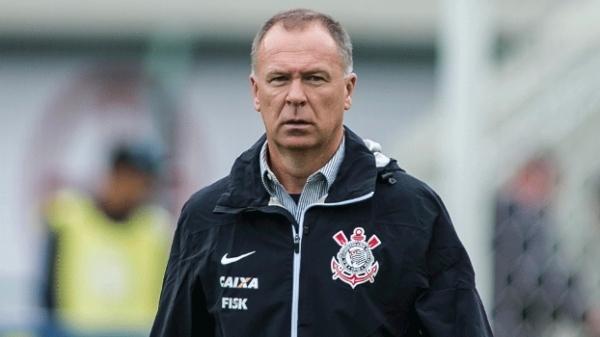 Mano vê largada difícil para o Corinthians no Brasileiro e evita projeção de pontos para o começo