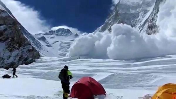 Equipes de resgate desistem de buscas por desaparecidos no Everest
