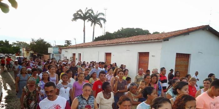 Católicos acompanham a Via sacra em Angical