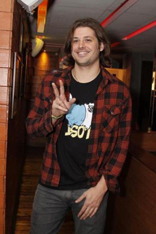 Após ser acusado de agressão, ator Dado Dolabella é demitido pela Record