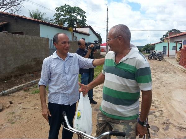 Município de São João da Serra distribui 1500 cestas básicas