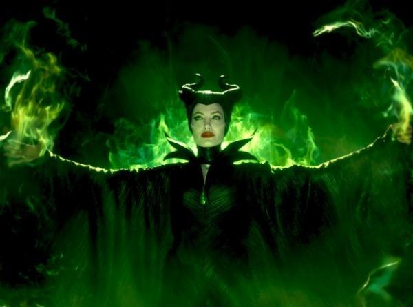 Ticiane Pinheiro se transforma em Mal騅ola a convite da Disney