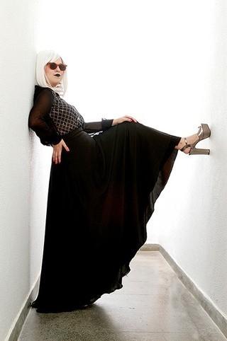 Alice Caymmi abre o guarda-roupa e mostra estilo nada básico