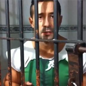 Amigos não arrecadam valor de dívida em festa e Marcos Oliver segue preso