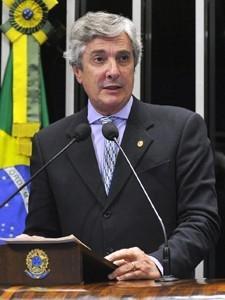 Supremo absolve Collor de peculato, corrupção e falsidade ideológica