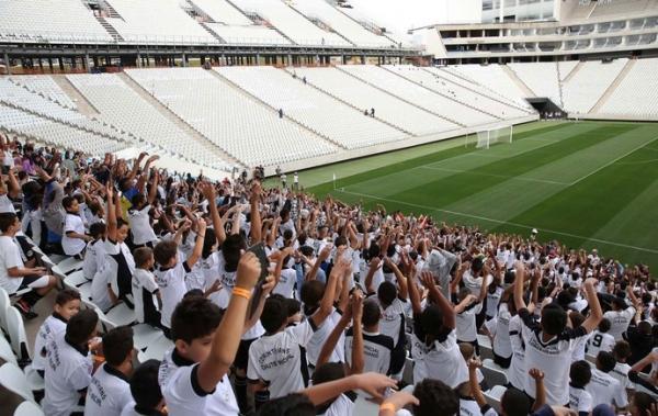 Evento-teste na Arena agrada ao Timão, mas é quase nulo para Copa