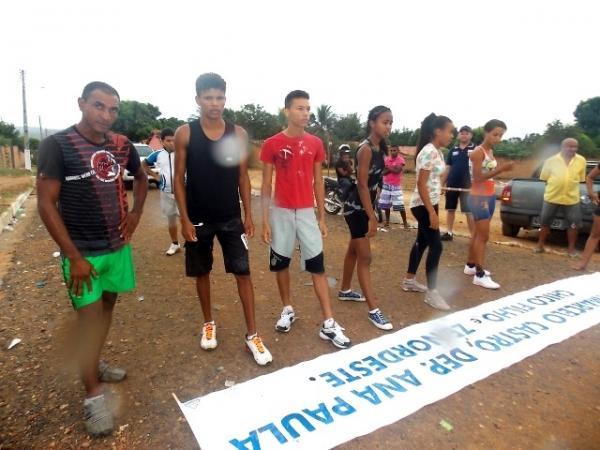 Maratonas e corridas de jumentos abriram  a programação do dia 28 em Canavieira - Imagem 9