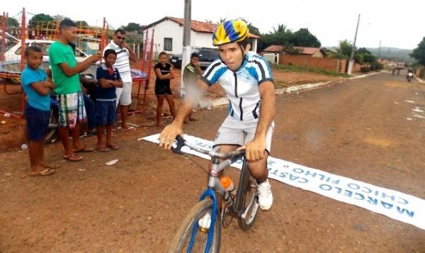 Maratonas e corridas de jumentos abriram  a programação do dia 28 em Canavieira - Imagem 11