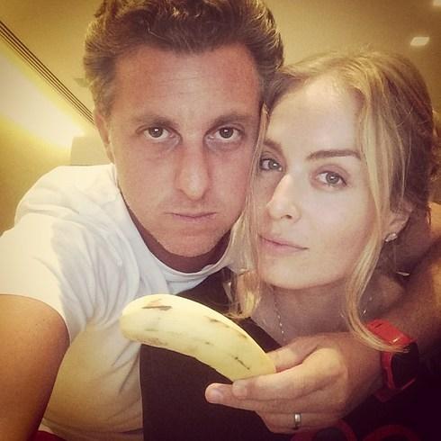 Banana pra dar e vender: famosos e fãs fazem
