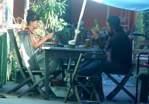 Paulo Vilhena e Fabíula Nascimento, solteiros, almoçam juntos