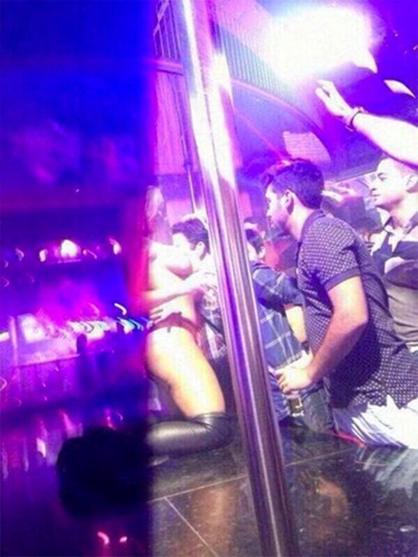 Andressa Urach nega ter feito strip-tease na Beth Cuscuz; vídeo circula na web
