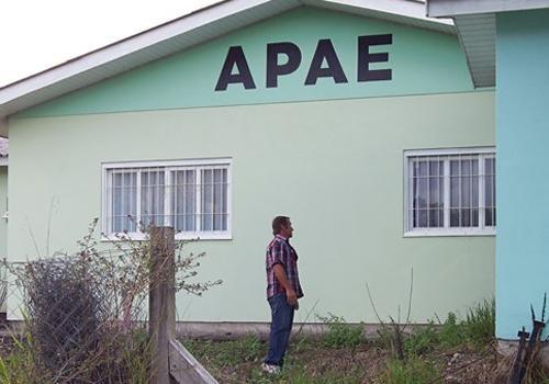 Após desaparecer de Apae, criança com autismo é encontrada morta