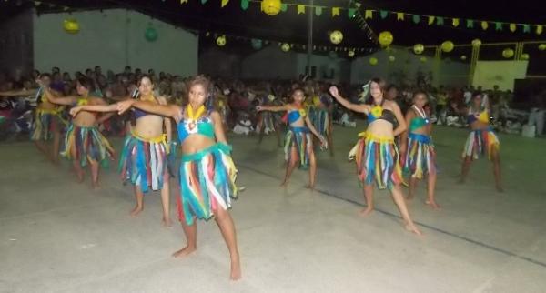 Aniversário da cidade : Noite da educação foi um espetáculo em Canavieira  - Imagem 57