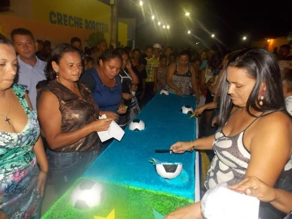 Canavieira comemora 22 anos com inaugurações, corte de bolo e muita festa.  - Imagem 6