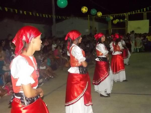 Aniversário da cidade : Noite da educação foi um espetáculo em Canavieira  - Imagem 7