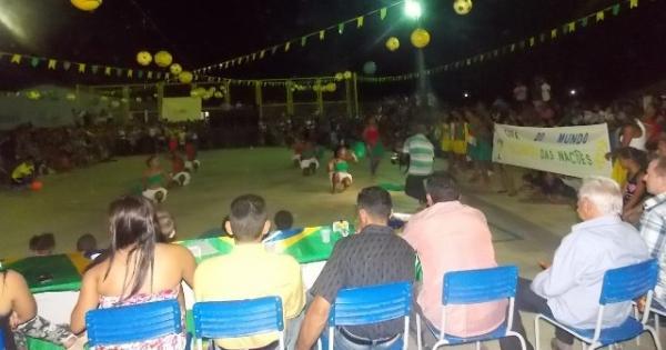 Aniversário da cidade : Noite da educação foi um espetáculo em Canavieira  - Imagem 42