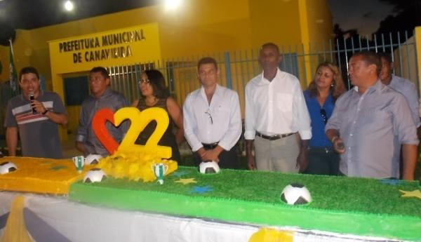 Canavieira comemora 22 anos com inaugurações, corte de bolo e muita festa.  - Imagem 25