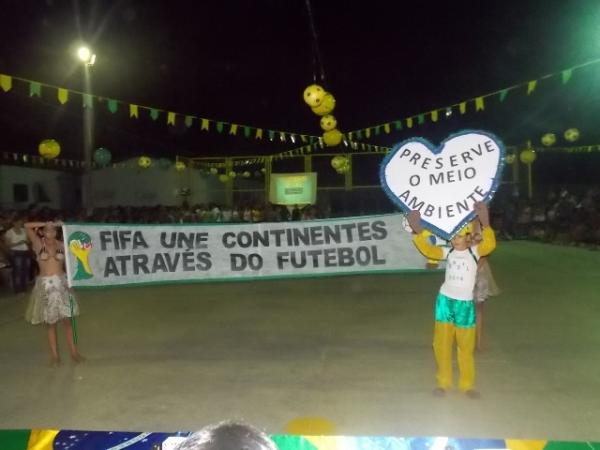 Aniversário da cidade : Noite da educação foi um espetáculo em Canavieira  - Imagem 73