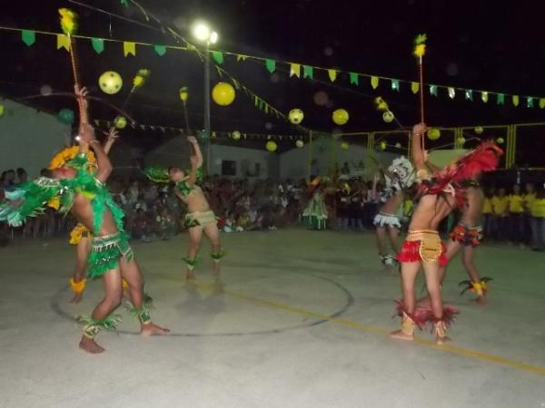 Aniversário da cidade : Noite da educação foi um espetáculo em Canavieira  - Imagem 23