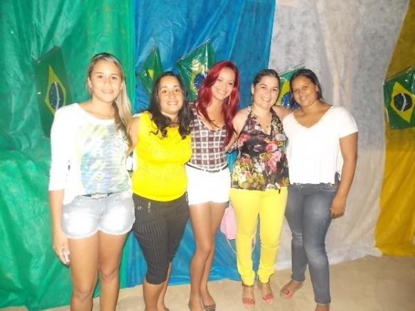 Aniversário da cidade : Noite da educação foi um espetáculo em Canavieira  - Imagem 45