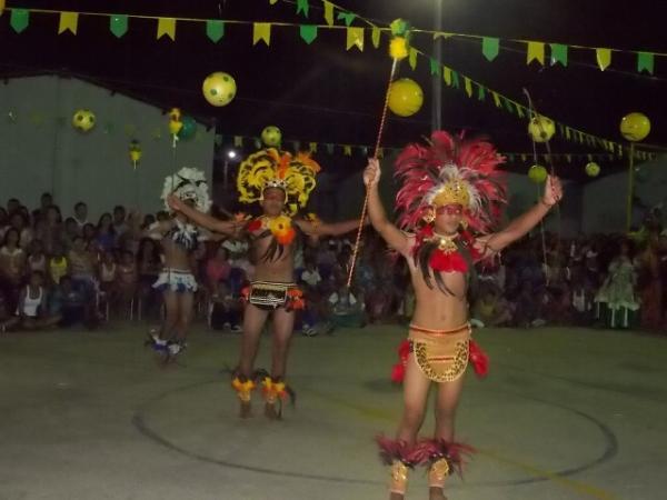 Aniversário da cidade : Noite da educação foi um espetáculo em Canavieira  - Imagem 18