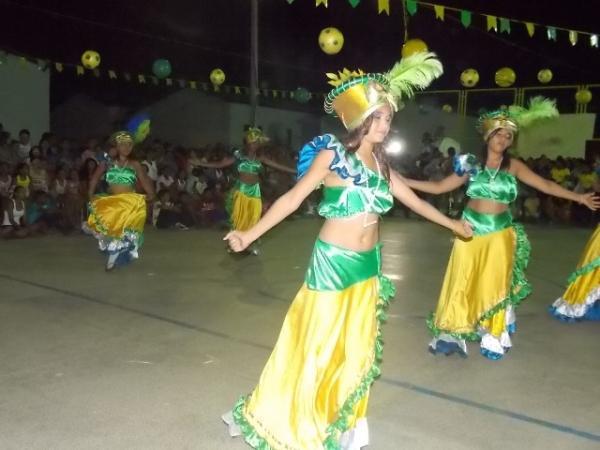 Aniversário da cidade : Noite da educação foi um espetáculo em Canavieira  - Imagem 15
