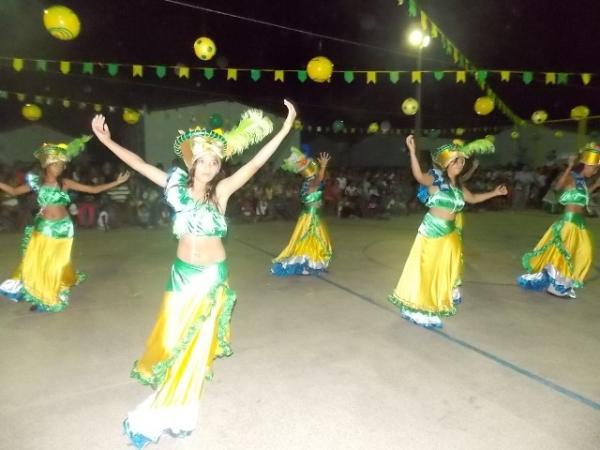 Aniversário da cidade : Noite da educação foi um espetáculo em Canavieira  - Imagem 13