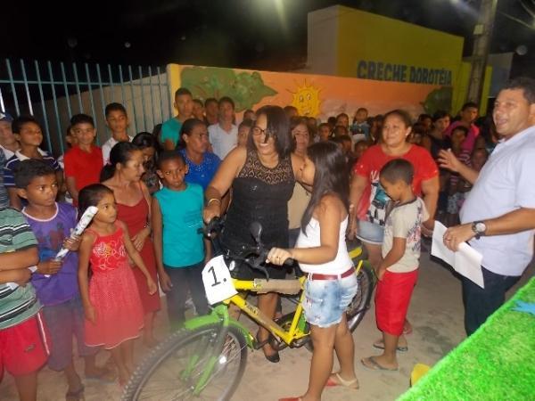Canavieira comemora 22 anos com inaugurações, corte de bolo e muita festa.  - Imagem 14