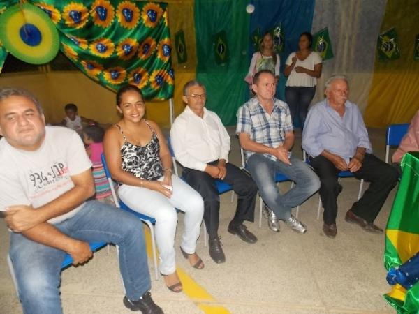 Aniversário da cidade : Noite da educação foi um espetáculo em Canavieira  - Imagem 76