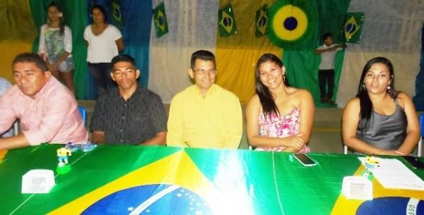 Aniversário da cidade : Noite da educação foi um espetáculo em Canavieira  - Imagem 78
