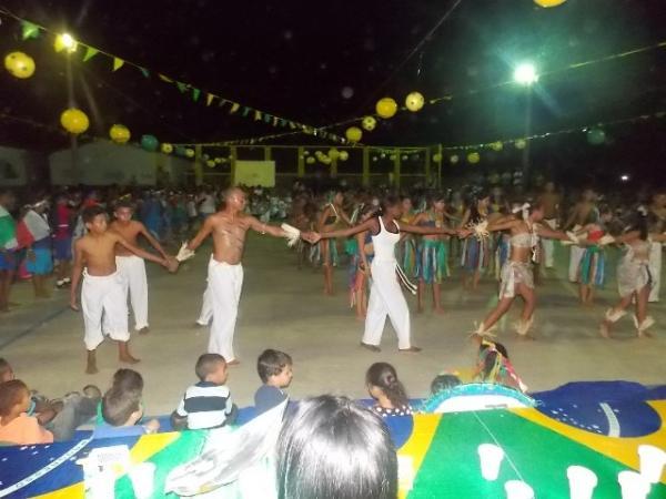 Aniversário da cidade : Noite da educação foi um espetáculo em Canavieira  - Imagem 53