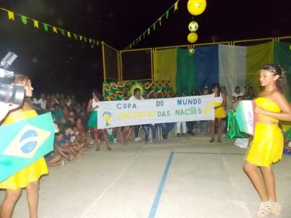 Aniversário da cidade : Noite da educação foi um espetáculo em Canavieira  - Imagem 44