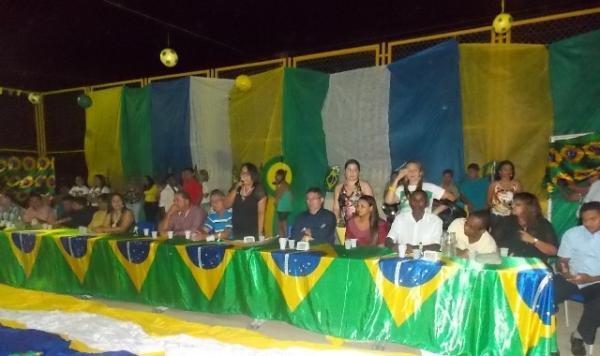Aniversário da cidade : Noite da educação foi um espetáculo em Canavieira  - Imagem 2