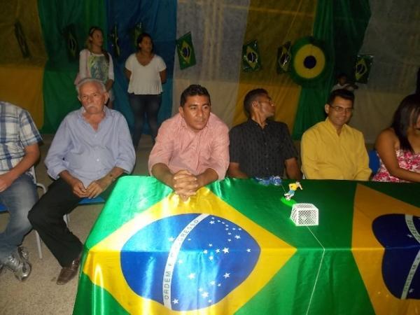 Aniversário da cidade : Noite da educação foi um espetáculo em Canavieira  - Imagem 77