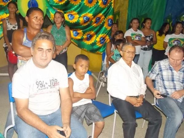 Aniversário da cidade : Noite da educação foi um espetáculo em Canavieira  - Imagem 34
