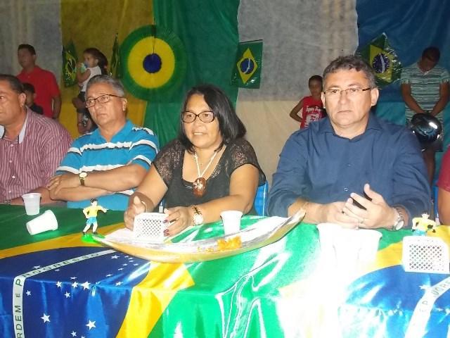 Aniversário da cidade : Noite da educação foi um espetáculo em Canavieira