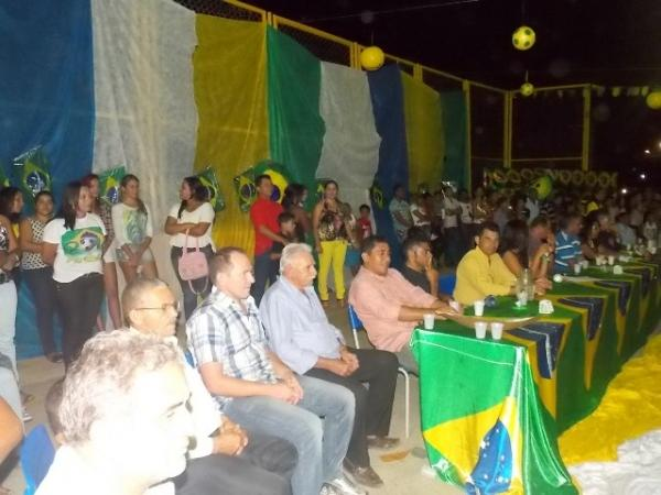 Aniversário da cidade : Noite da educação foi um espetáculo em Canavieira  - Imagem 33