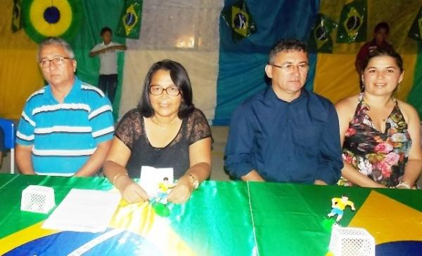 Aniversário da cidade : Noite da educação foi um espetáculo em Canavieira  - Imagem 79
