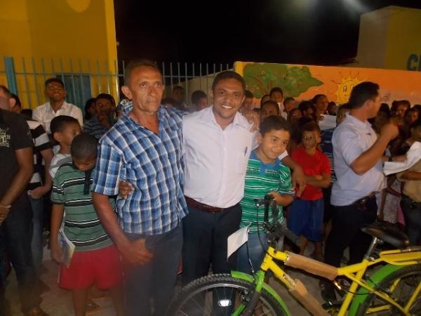 Canavieira comemora 22 anos com inaugurações, corte de bolo e muita festa.  - Imagem 12