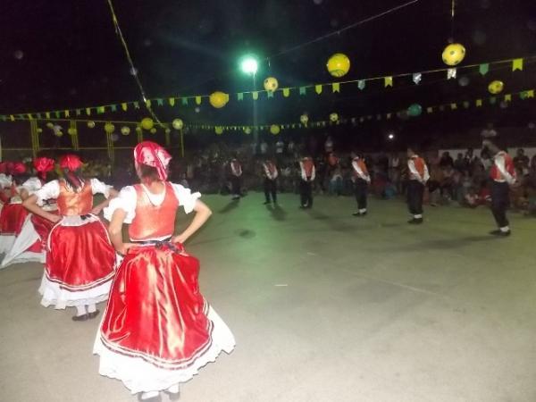 Aniversário da cidade : Noite da educação foi um espetáculo em Canavieira  - Imagem 6
